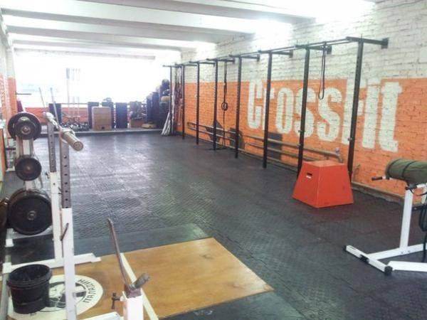 Напольное покрытие для спортивного зала с тренажерами на свободных весах