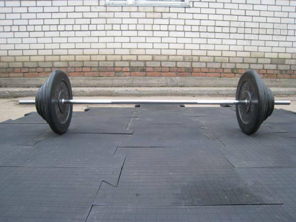 Напольное покрытие в спортивные залы с силовыми тренажерами со свободными весами