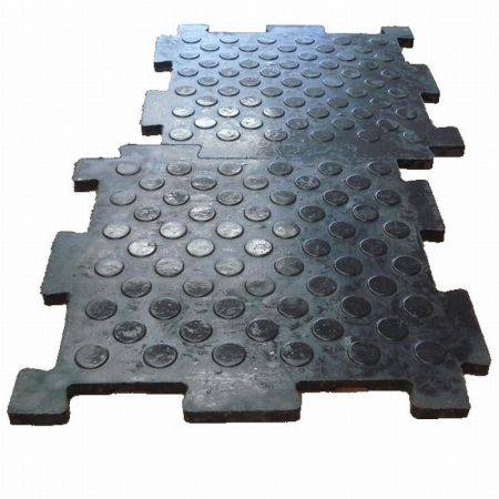 Резиновое напольное покрытие - литая жесткая резиновая плитка