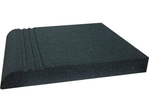 Резиновая плитка для ступеней крыльца