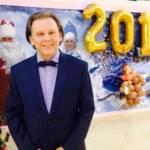Фото Ведущий новогоднего праздника и дед мороз.... Повсеместно виктор